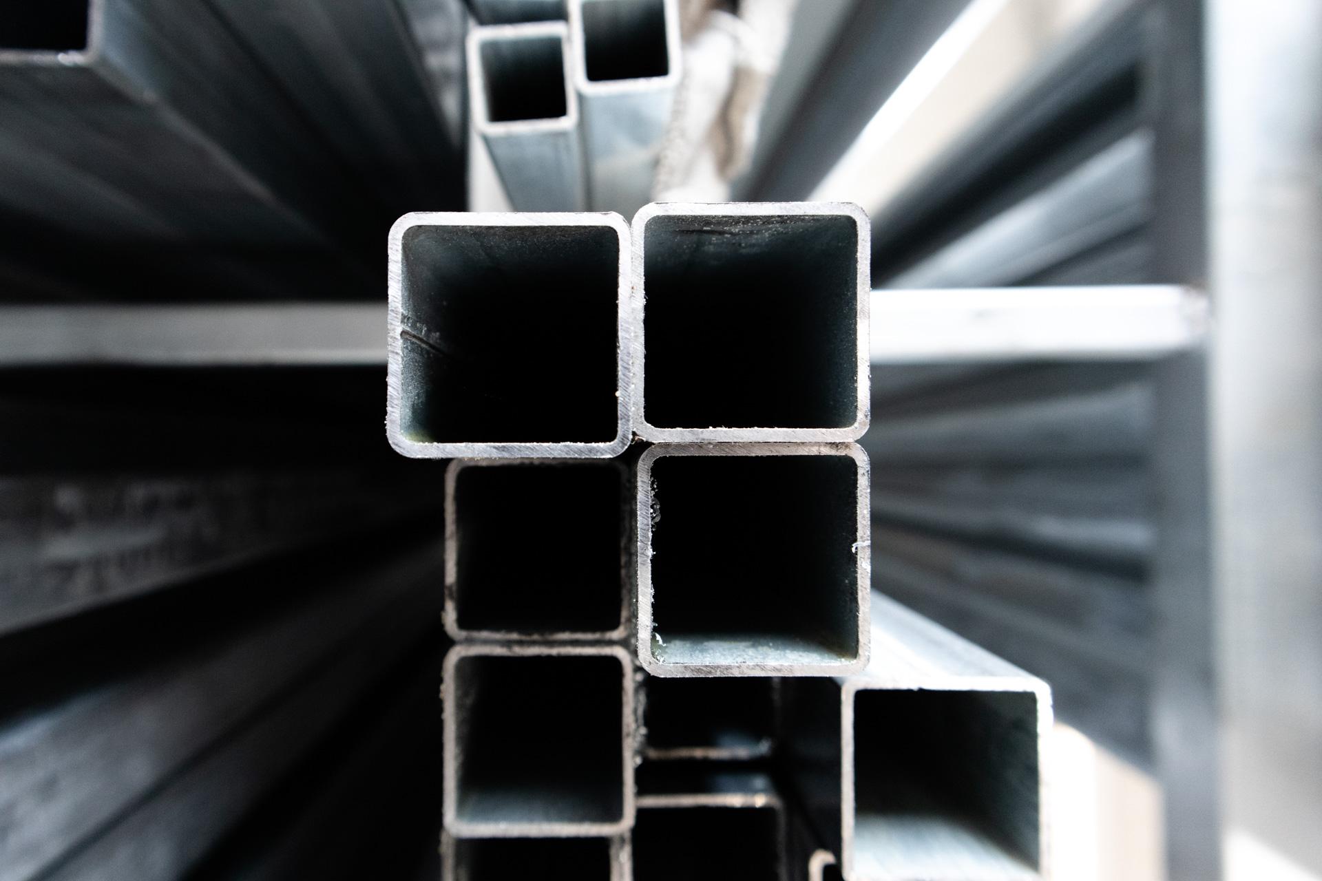 Tudo quadrado em ferro galvanizado